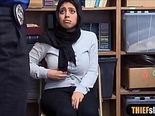 jav  chubby  ,  giant titties  ,  hijab   porn movies
